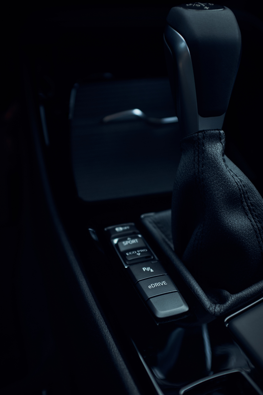 H BMW λανσάρει τις plug in υβριδικές Χ1 και Χ2