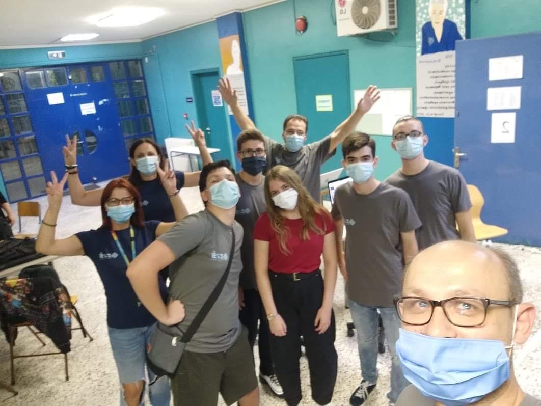 Χαμόγελα κάτω από τις μάσκες για μαθητές και καθηγητές από το σχολείο στην Ξάνθη για το... ταξίδι στο διάστημα
