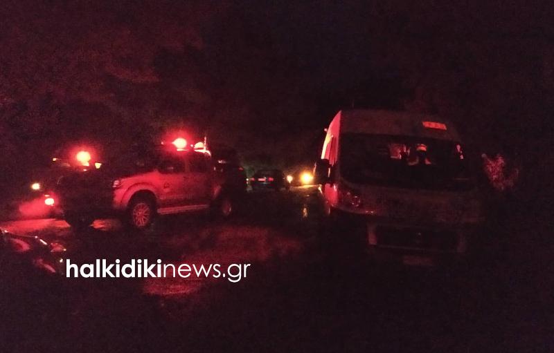 Μεγάλη επιχείρηση για τη διάσωση της οδηγού που βρέθηκε σε χαράδρα στη Χαλκιδική / Φωτογραφία: halkidikinews.gr