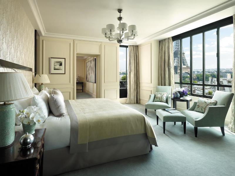 Δωμάτιο ξενοδοχείο ου με θέα τον πύργο του Αιφελ
