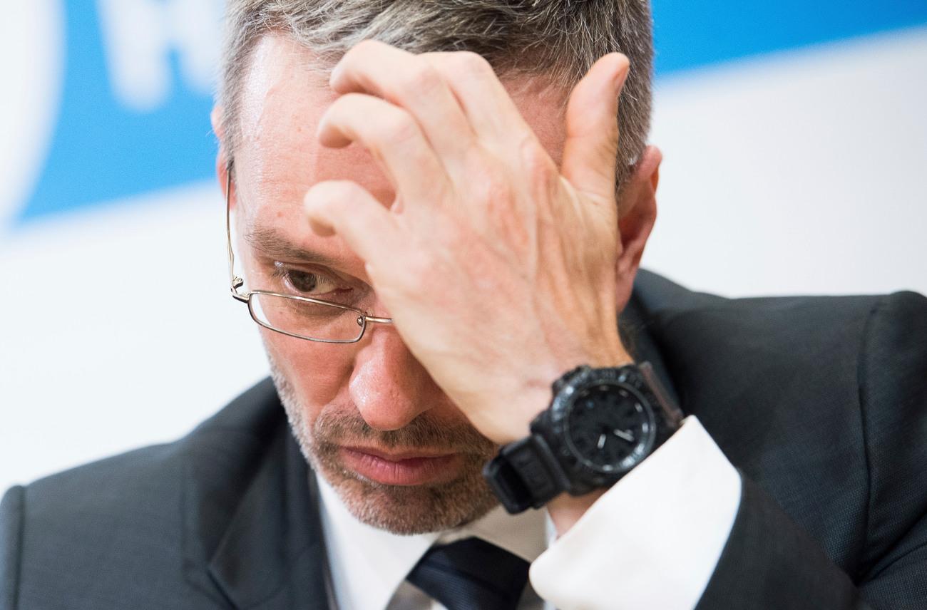 O παραιτηθείς υπουργός Εσωτερικών Χέρμπερτ Κικλ από το κόμμα των Ελευθέρων