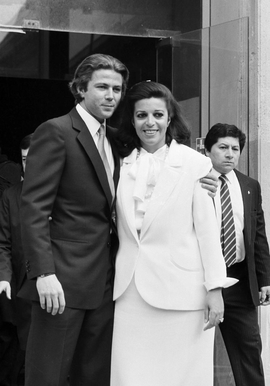 Τιερί Ρουσέλ και Χριστίνα Ωνάση σε ασπρόμαυρη φωτογραφία από τον γάμο τους