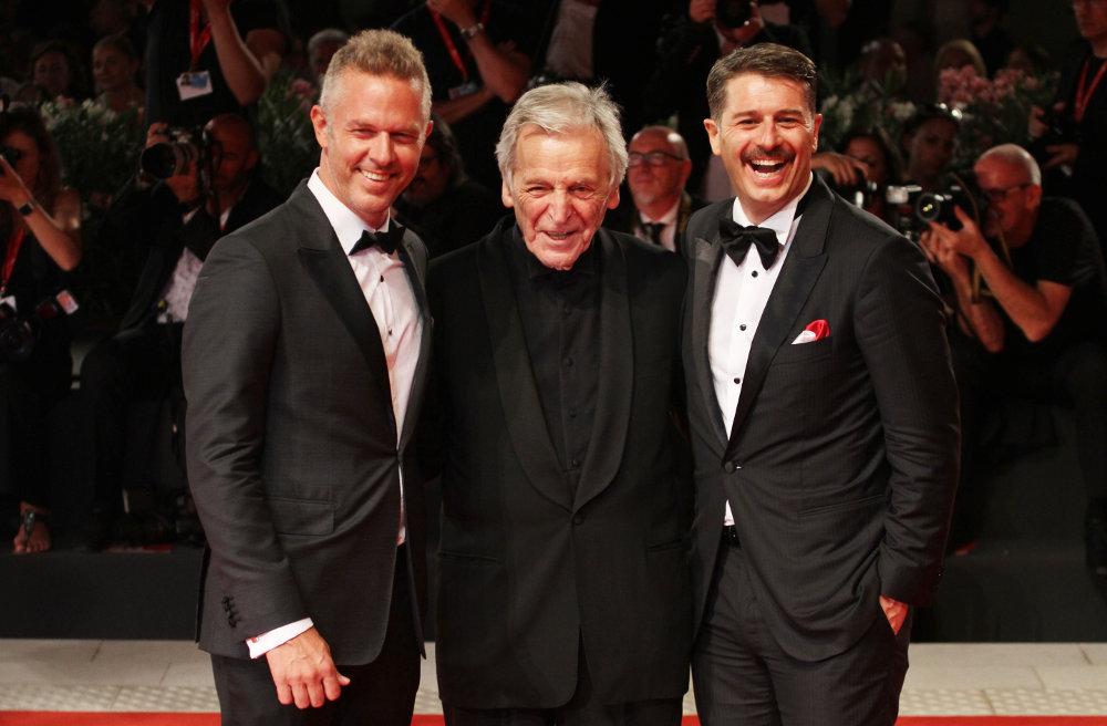Ο ηθοποιός Χρήστος Λούλης με τον Κώστα Γαβρά και τον συμπρωταγωνιστή του Αλέξη Τσίπρα στο Φεστιβάλ Βενετίας