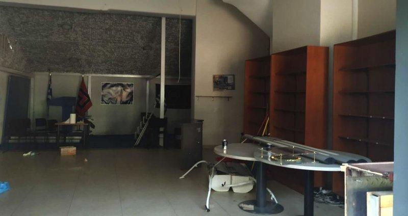 Εικόνα διάλυσης στο πάλαι ποτέ αρχηγείο της Χρυσής Αυγής