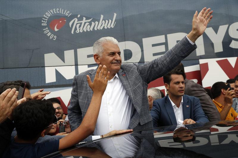 Ο Γιλντιρίμ με ψηφοφόρους