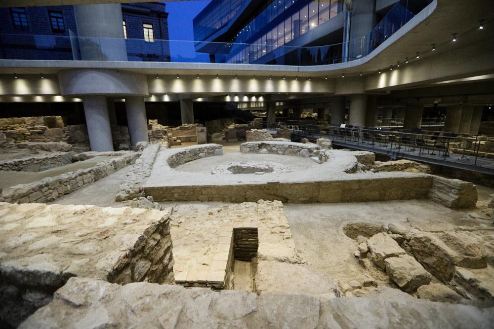 Την Παρασκευή η ανασκαφή θα είναι επισκέψιμη ως και τις 22.00 το βράδυ με το ίδιο εισιτήριο του Μουσείου της Ακρόπολης