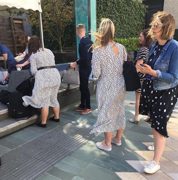 Όλες, μα όλες έχουν φορέσει το viral πουά φόρεμα των Zara