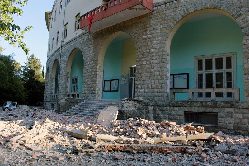 Ζημιές από τον σεισμό στην Αλβανία