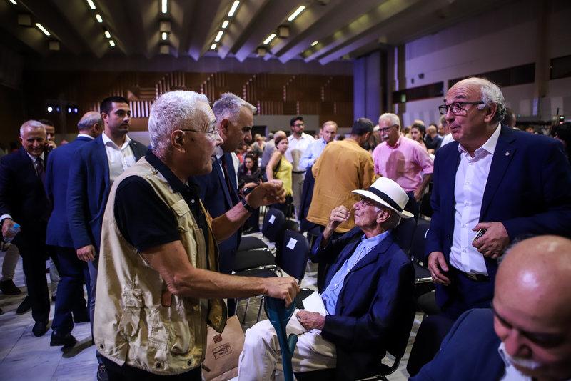 Βασίλης Βασιλικός (στα καθίσματα) Κώστας Ζουράρις, Γιάννης Αμανατίδης στη ΔΕΘ 2019