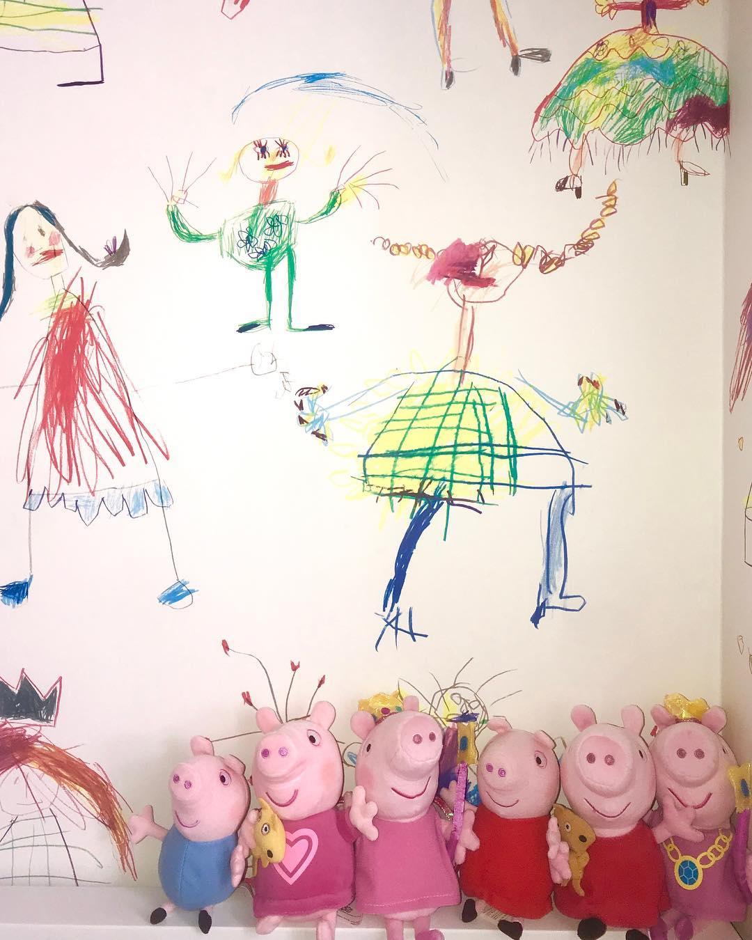 Κουκλάκια στο παιδικό δωμάτιο της κόρης της Σίσσυς Φειδά