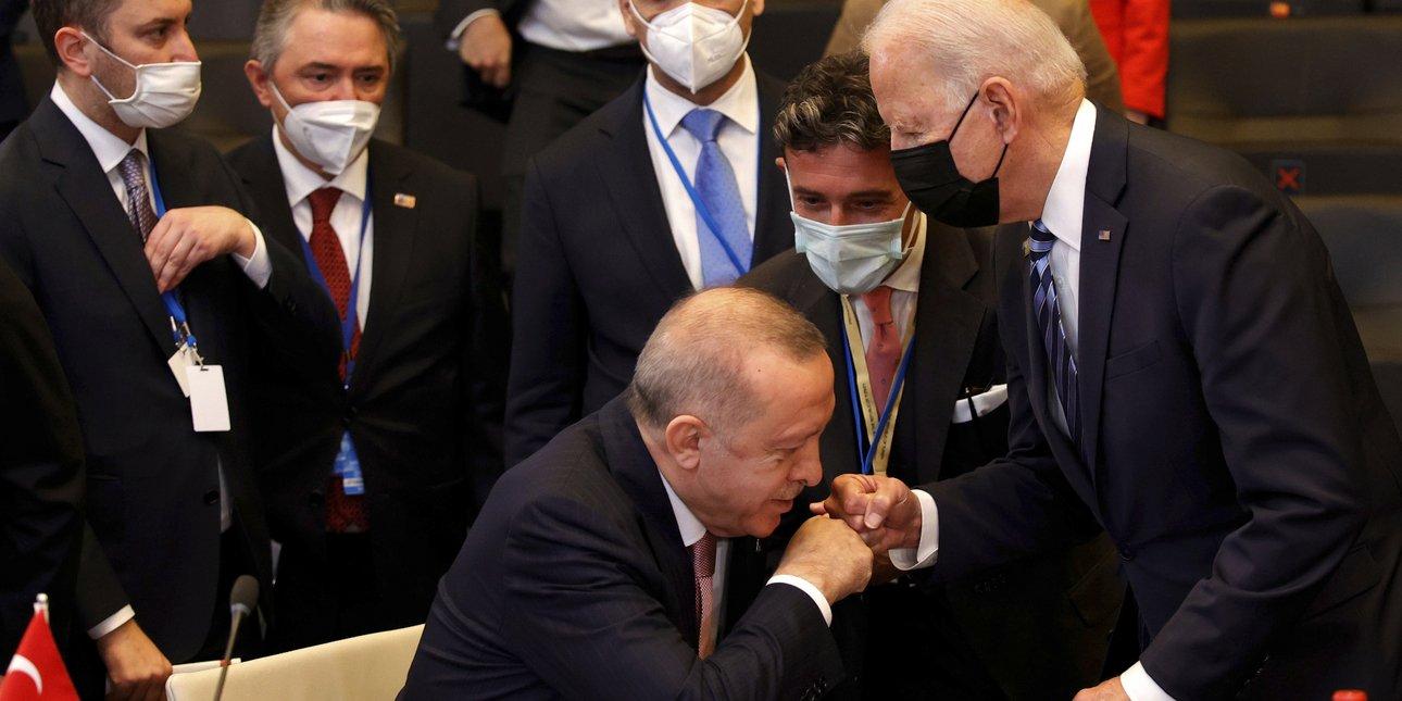 erdogan-baiden-xeirofilima.jpg