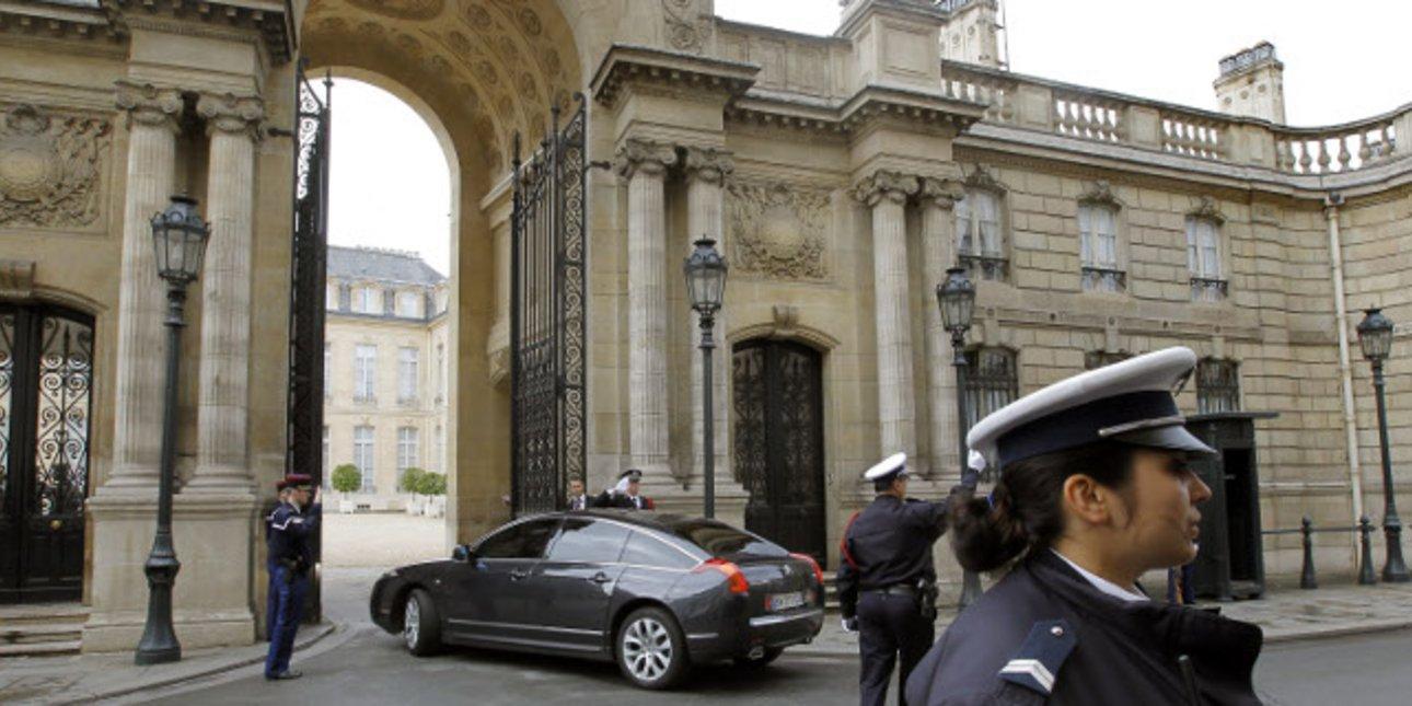 Γαλλία: 10 δις θα κοστίσουν τα μέτρα που εξήγγειλε ο Μακρόν