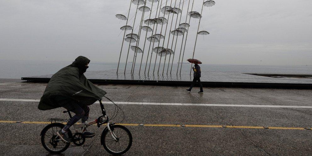 Καιρός: Βροχές και καταιγίδες την Τρίτη -Ποιες περιοχές θα σαρώσει η κακοκαιρία | ΕΛΛΑΔΑ