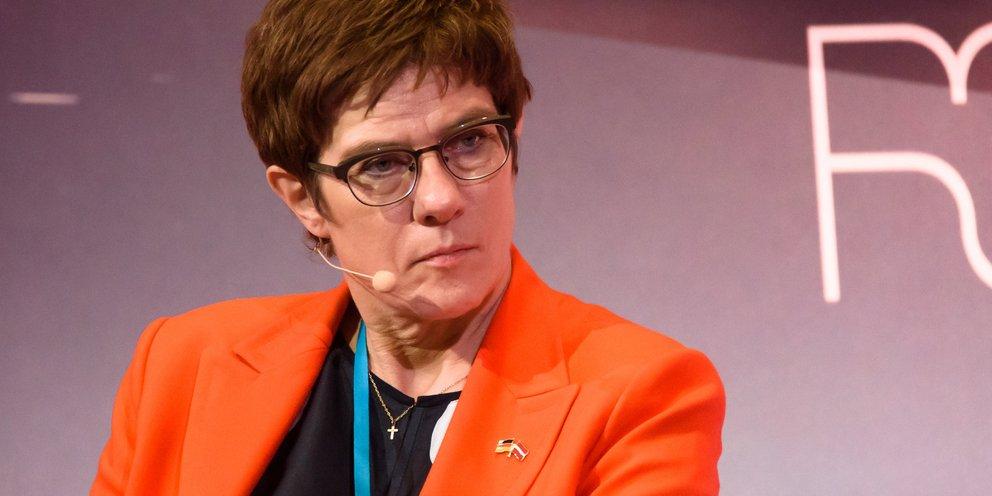 Αυστηρή κριτική στη Ρωσία από την υπουργό Άμυνας της Γερμανίας: «Εγείρει ισχυρή και άμεση απειλή για την Ευρώπη»