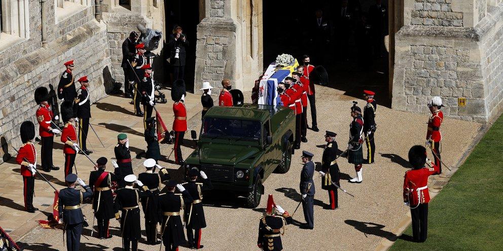 Ξεκίνησε η κηδεία του πρίγκιπα Φίλιππου -Δείτε live τη μεγαλοπρεπή τελετή [βίντεο]