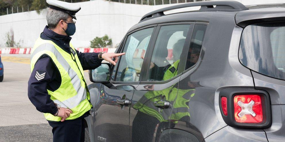 Κορωνοϊός: Σαρωτικοί έλεγχοι για την τήρηση των μέτρων -Συλλήψεις και πρόστιμα πάνω από 200.000 ευρώ το Σάββατο