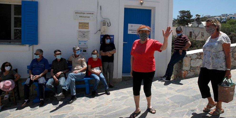 Ηράκλειο Κρήτης: Γυναίκα 103 ετών εμβολιάστηκε κατά του κορωνοϊού   ΕΛΛΑΔΑ