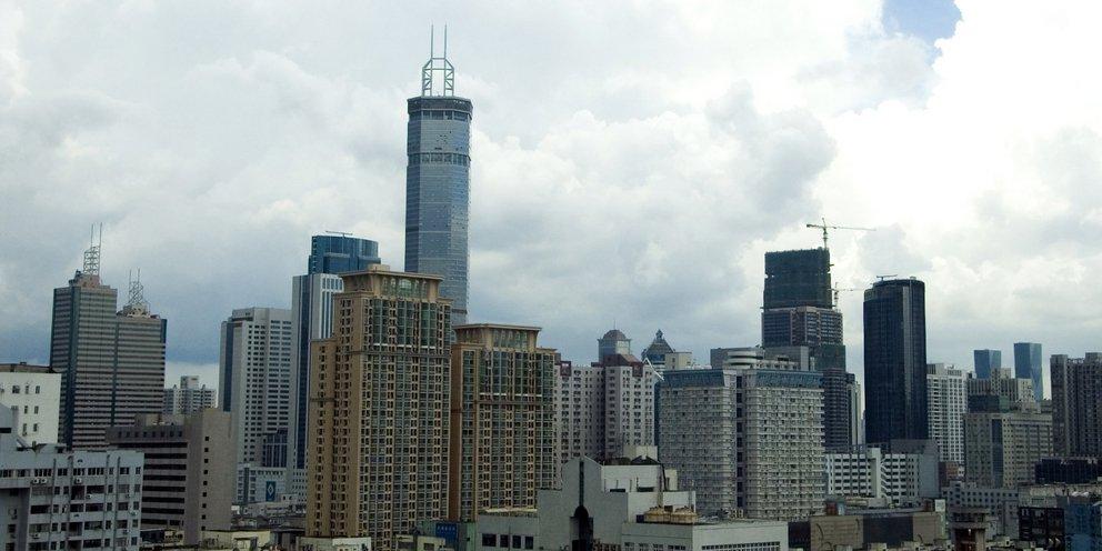 Κίνα: Πανικός στους δρόμους προκάλεσε ουρανοξύστης που άρχισε να «τρέμει» -Εκκενώθηκε το κτίριο [βίντεο] | ΚΟΣΜΟΣ