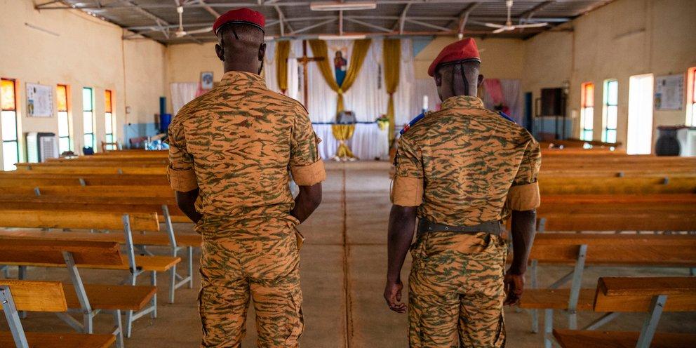 Μπουρκίνα Φάσο: Ενοπλοι σκότωσαν 100 κατοίκους ενός χωριού   ΚΟΣΜΟΣ
