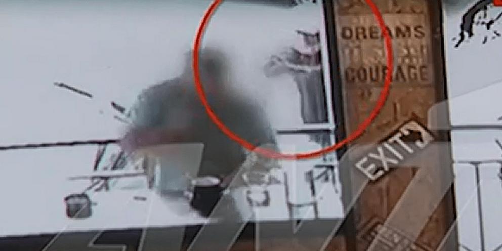 Δολοφονία στα Σεπόλια: Σοκαριστικό βίντεο-ντοκουμέντο από την εν ψυχρώ εκτέλεση του 32χρονου | ΕΛΛΑΔΑ
