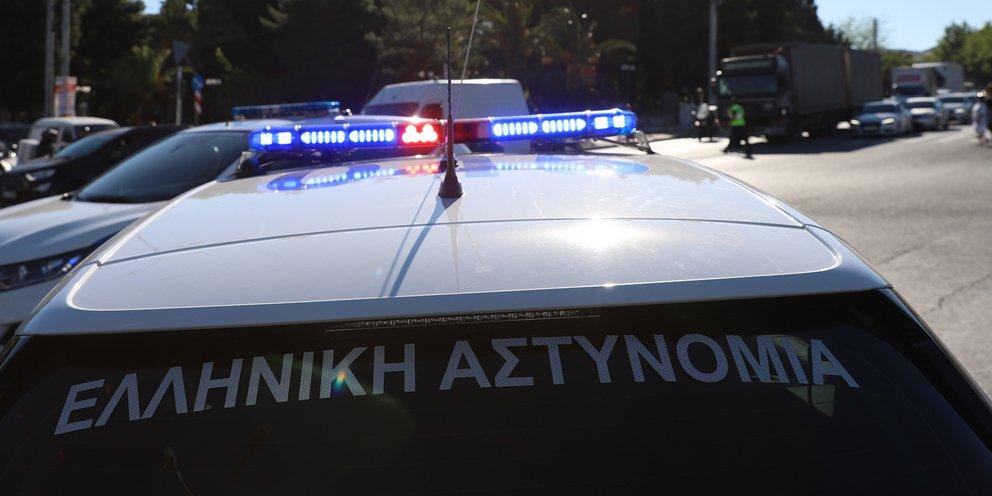 Νίκαια: Εξαρθρώθηκε συμμορία που έκλεβε ΙΧ έξω από το Γ' Νεκροταφείο -Δύο συλλήψεις | ΕΛΛΑΔΑ