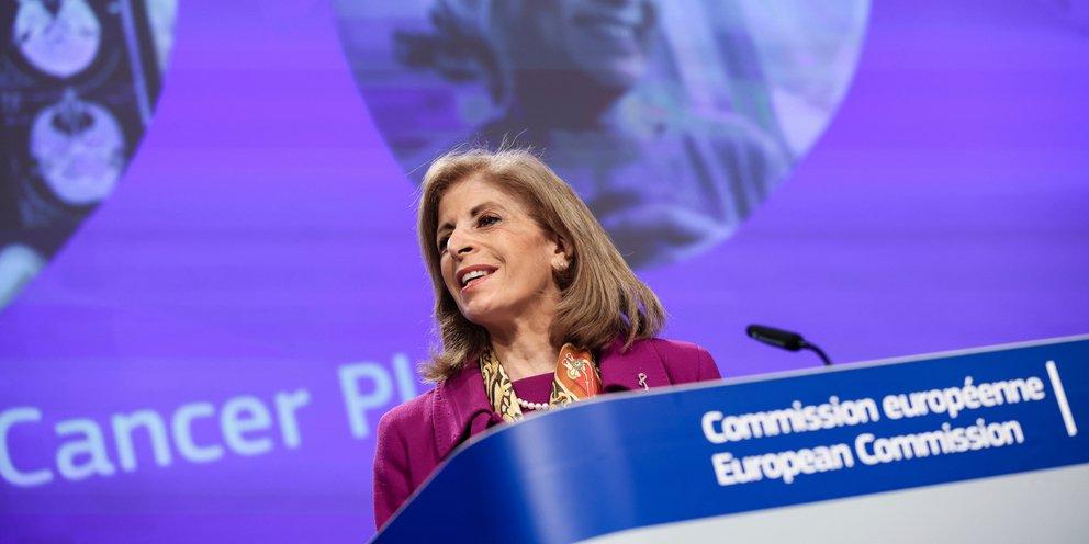 Στην Αθήνα η επίτροπος Υγείας της ΕΕ Στέλλα Κυριακίδου -Συναντήσεις με Μητσοτάκη και Κικίλια
