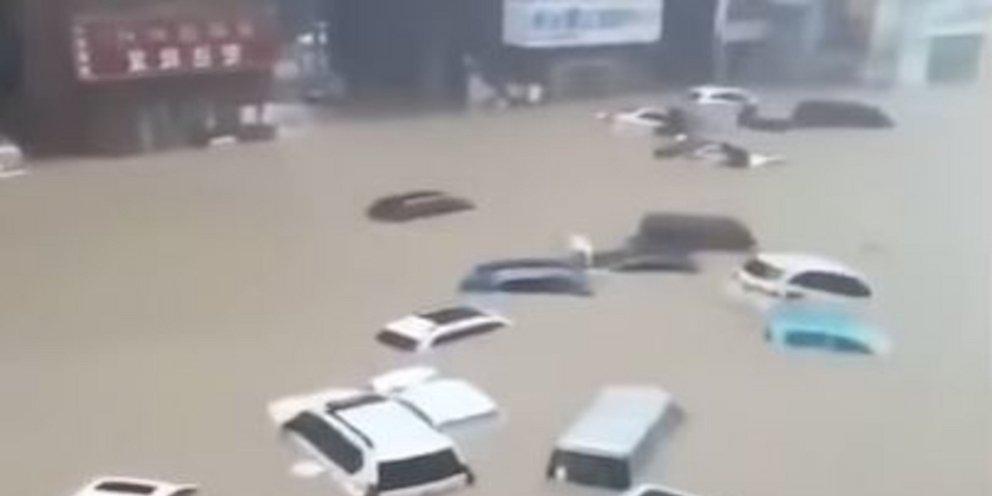 Κίνα: 12 νεκροί στο μετρό της πόλης Τσεντσόου -Αντιμέτωπη με «εξαιρετικά σοβαρές» πλημμύρες [βίντεο]   ΚΟΣΜΟΣ