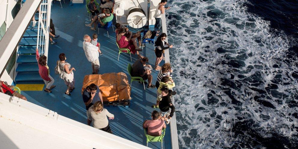 Ταξίδι με πλοίο: Πώς πάμε και πώς γυρίζουμε από τα νησιά -Πότε είναι υποχρεωτικό το self test | ΕΛΛΑΔΑ