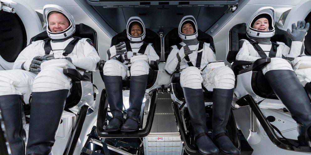 Space X: Σε λίγες ώρες η εκτόξευση στο Διάστημα για τους πρώτους αστρο- τουρίστες | ΚΟΣΜΟΣ | iefimerida.gr