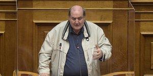 Φίλης: Παραβιάζει το Σύνταγμα η εγγραφή στο ΤΕΕ των απόφοιτων τριετών κολεγίων | ΠΟΛΙΤΙΚΗ | iefimerida.gr