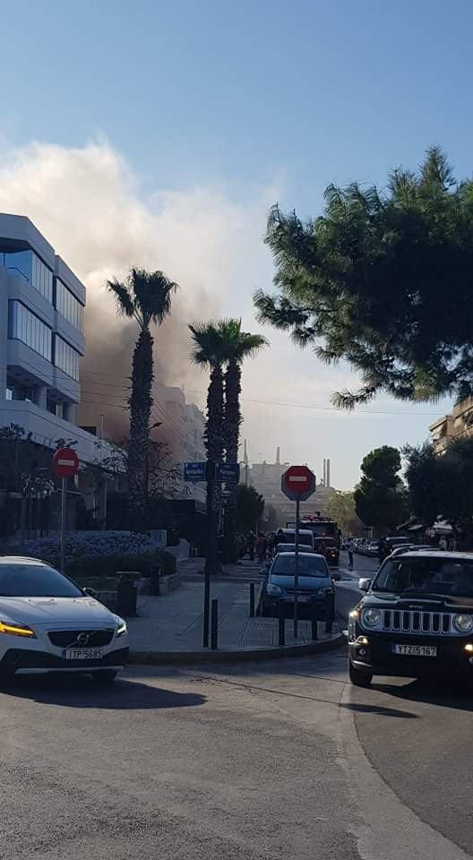 φωτιά σε μαγαζί στη Γλυφάδα